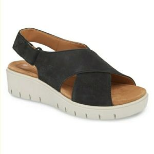 Clarks UnStructured Leather Low Wedge Sandals